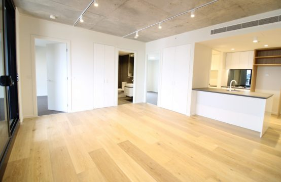 Pret a Porter! This Beautiful 2-Bedroom 2-Bathroom is the Latest in Fashionable Living!