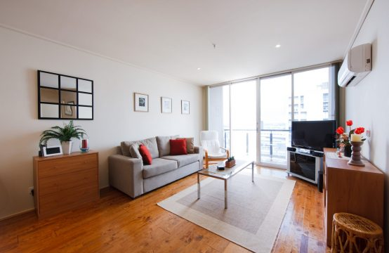 Stunning and Spacious UNFURNISHED CBD Apartment!