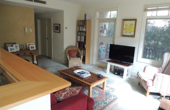 Executive Retreat in Stunning Bayside Melbourne (inc. Separate Storage) ….