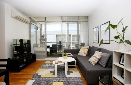 C U at CVU Apartments!!! Fashionable 1BR inc. Study!